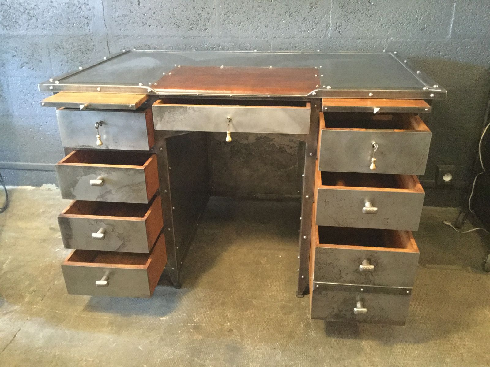 iron leather and oak industrial desk 1990s for sale at pamono. Black Bedroom Furniture Sets. Home Design Ideas