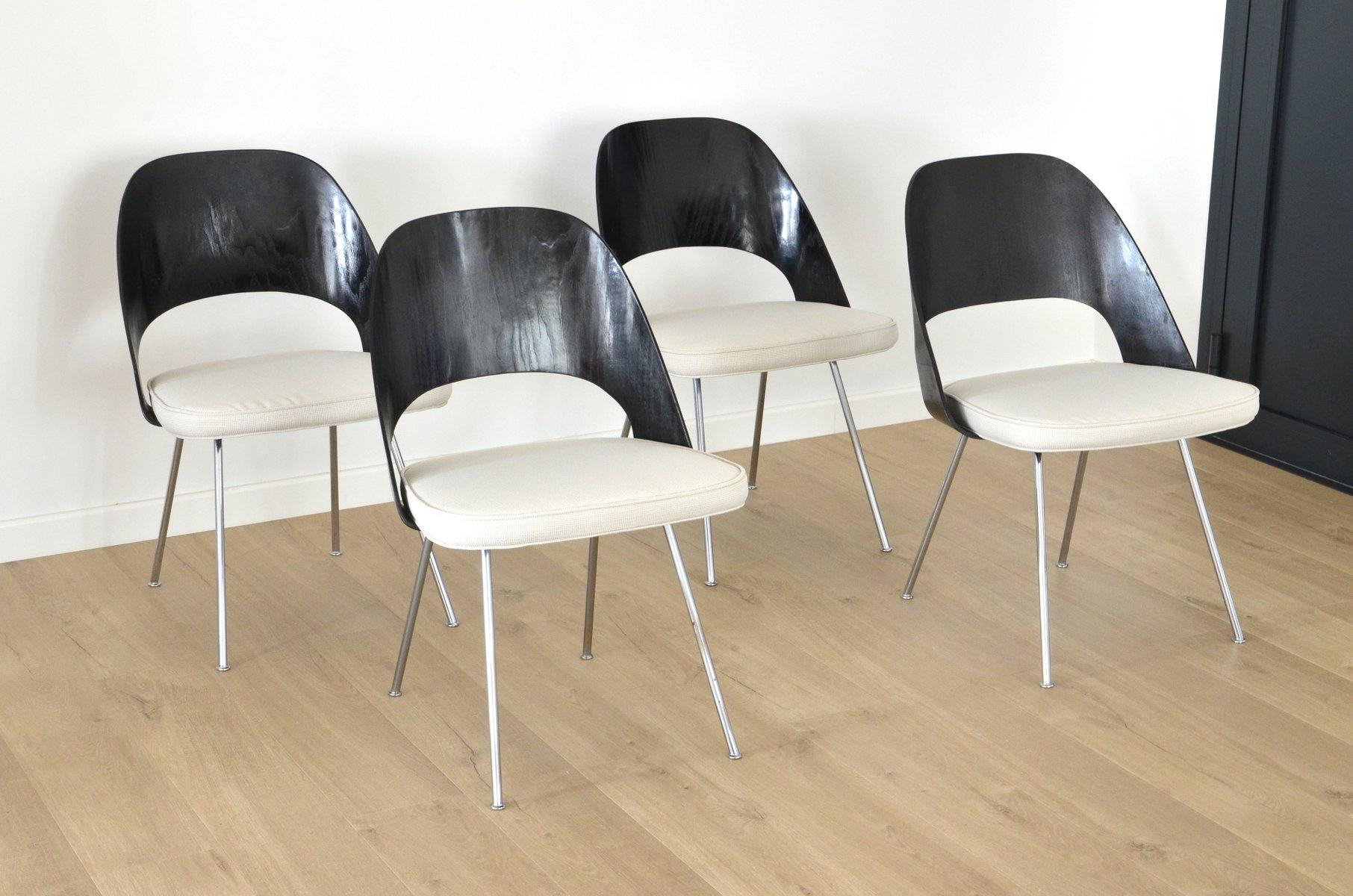 chaises de salle manger en bois par eero saarinen pour knoll international etats unis 1960s. Black Bedroom Furniture Sets. Home Design Ideas