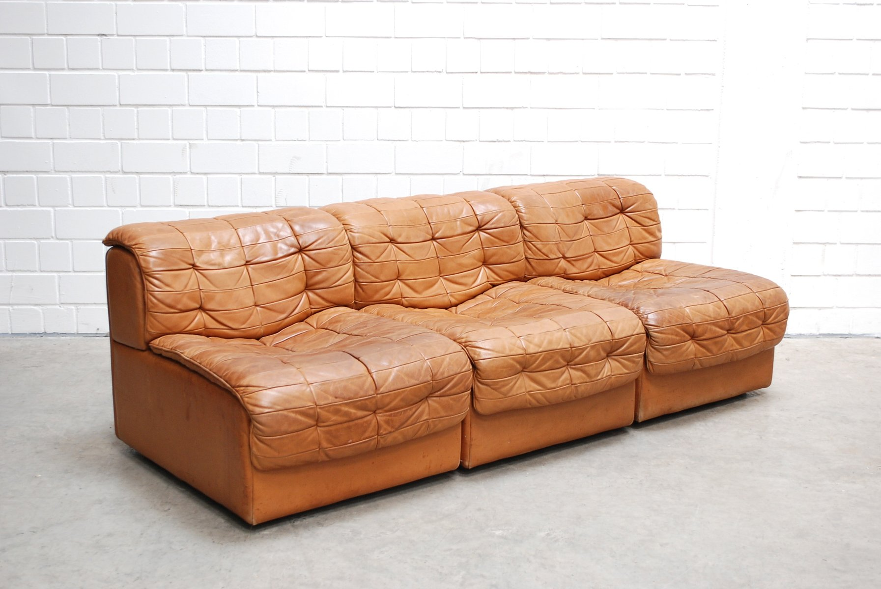 swiss modular ds 11 cognac leather sofa from de sede 1985 for sale at pamono. Black Bedroom Furniture Sets. Home Design Ideas
