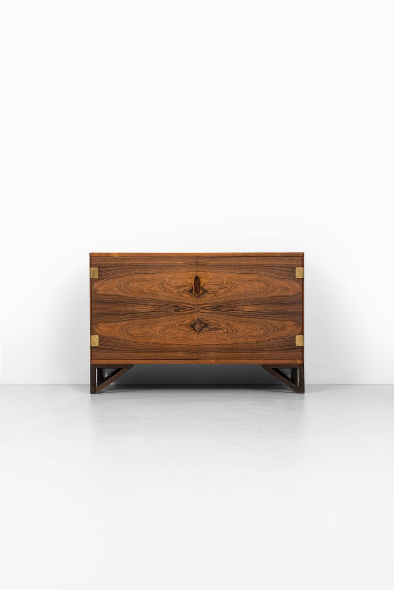 Rosewood credenza by svend langkilde for illums bolighus for 1950 s credenza
