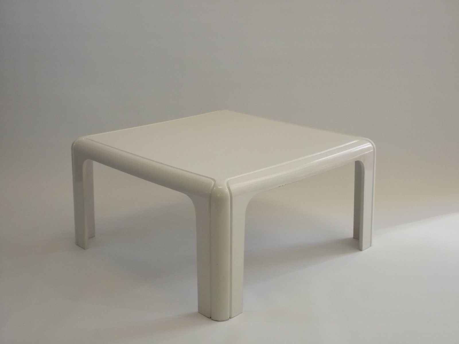 4894 Coffee Table By Gae Aulenti For Kartell 1975 For Sale At Pamono