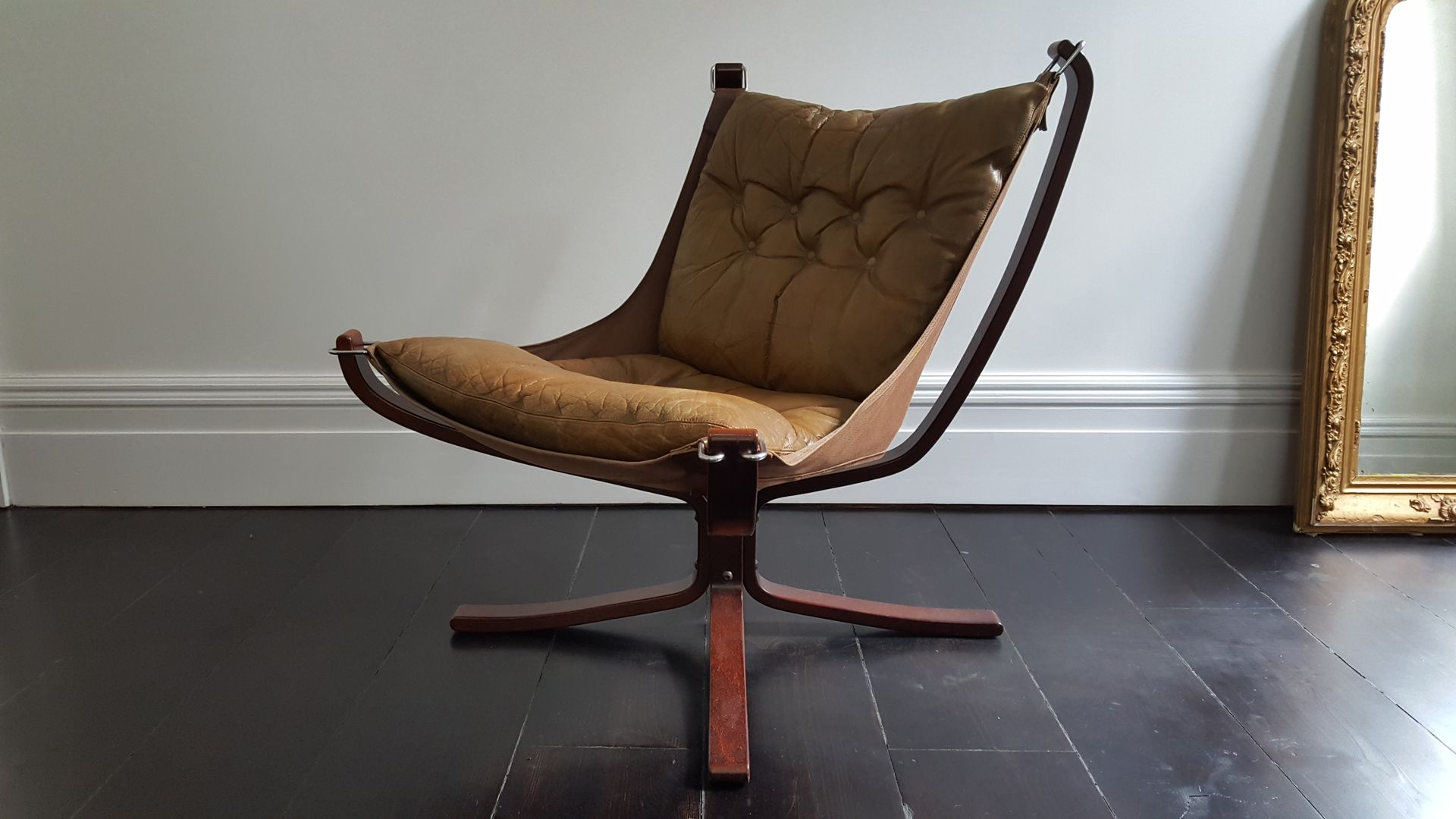 Vintage falcon stuhl mit niedriger r ckenlehne und x for Stuhl designklassiker vintage