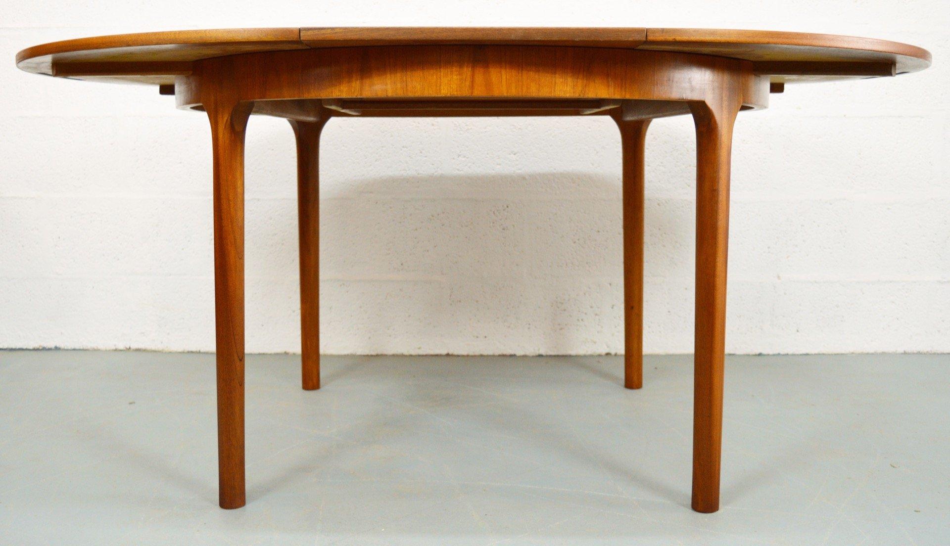 ausziehbarer runder mid century teak esstisch von mcintosh bei pamono kaufen. Black Bedroom Furniture Sets. Home Design Ideas
