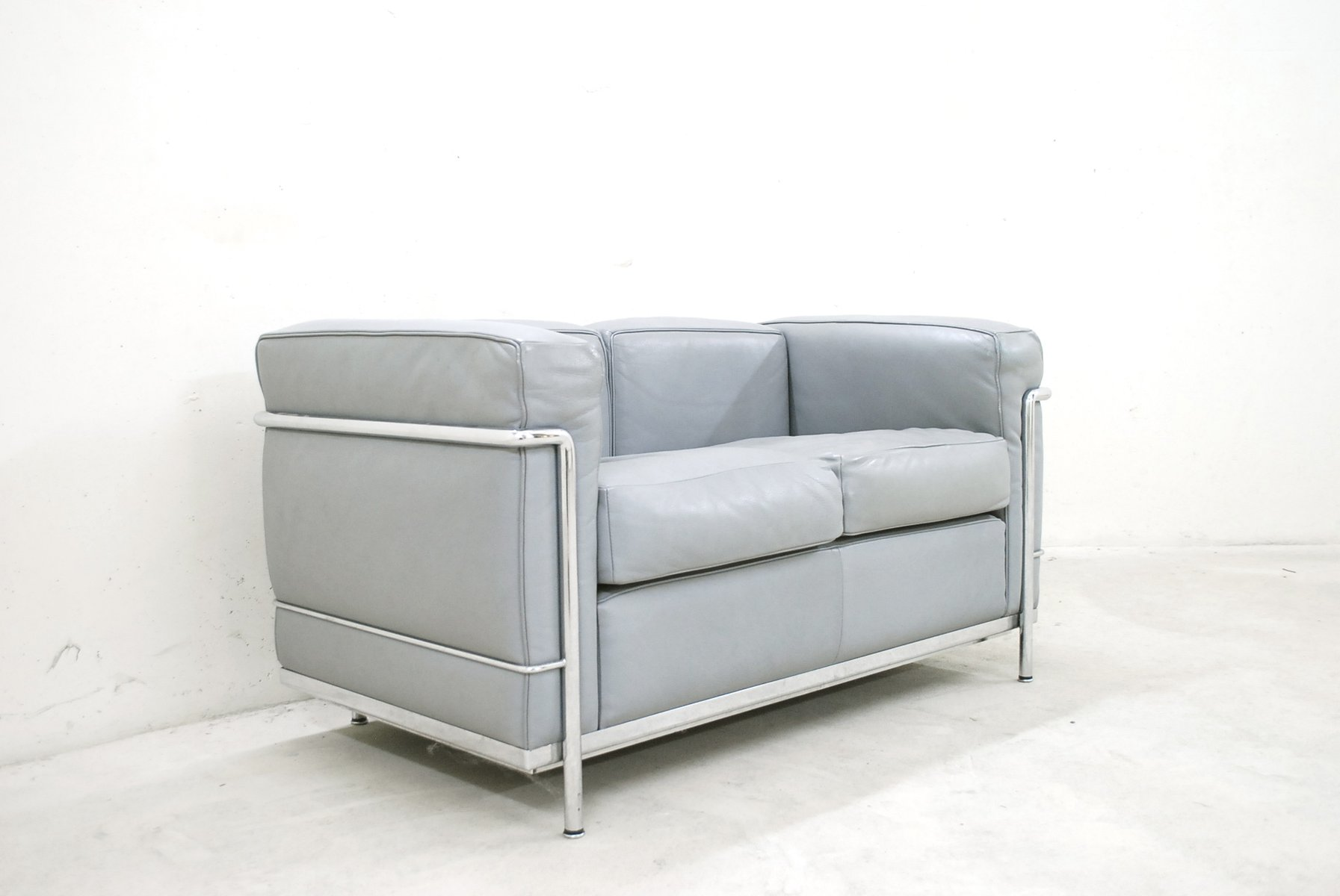 model lc2 leather sofa by le corbusier for cassina 1985 for sale