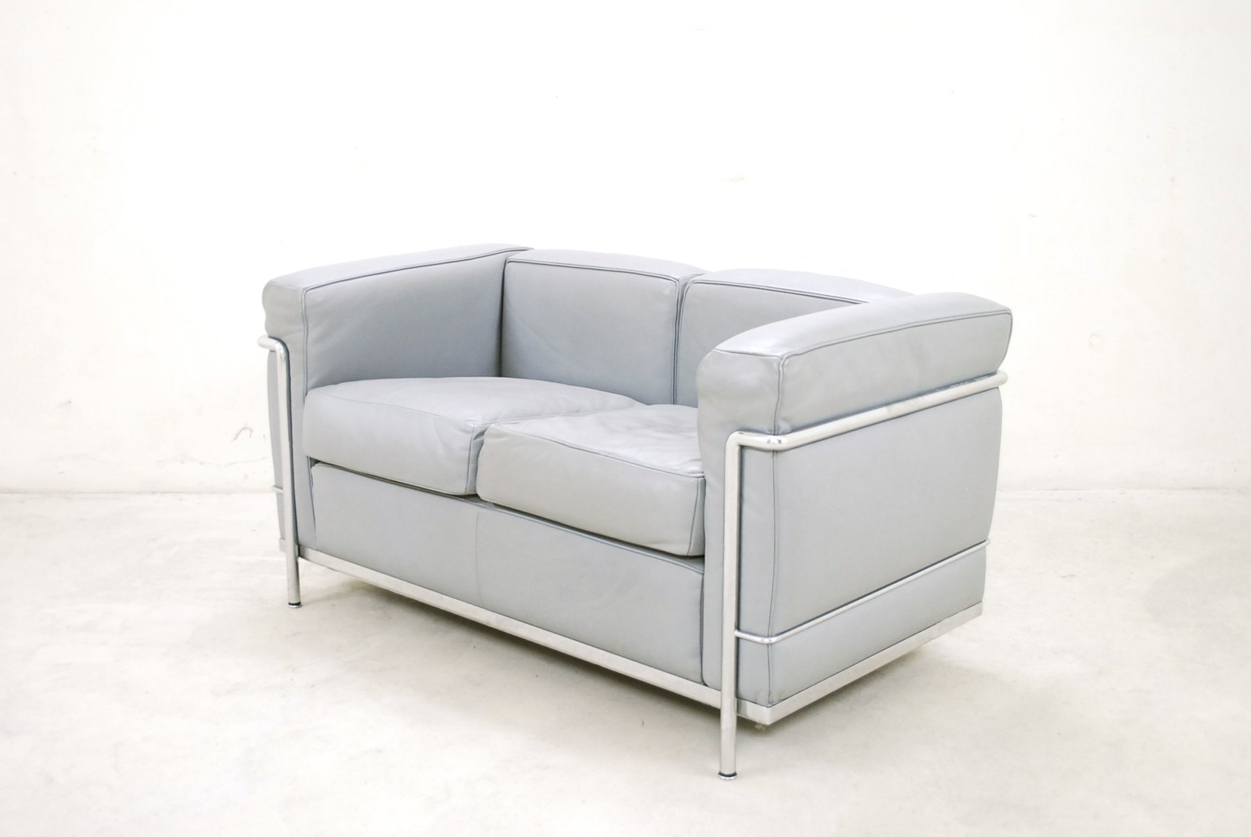 Model Lc2 Leather Sofa By Le Corbusier For Cassina 1985 For Sale At Pamono