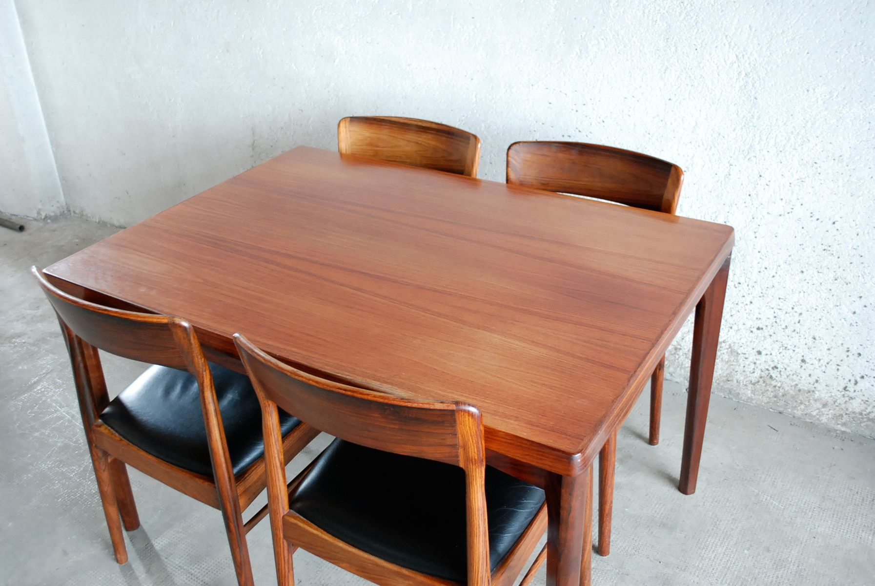 danish rosewood dining table by henning kjaernulf for sale t