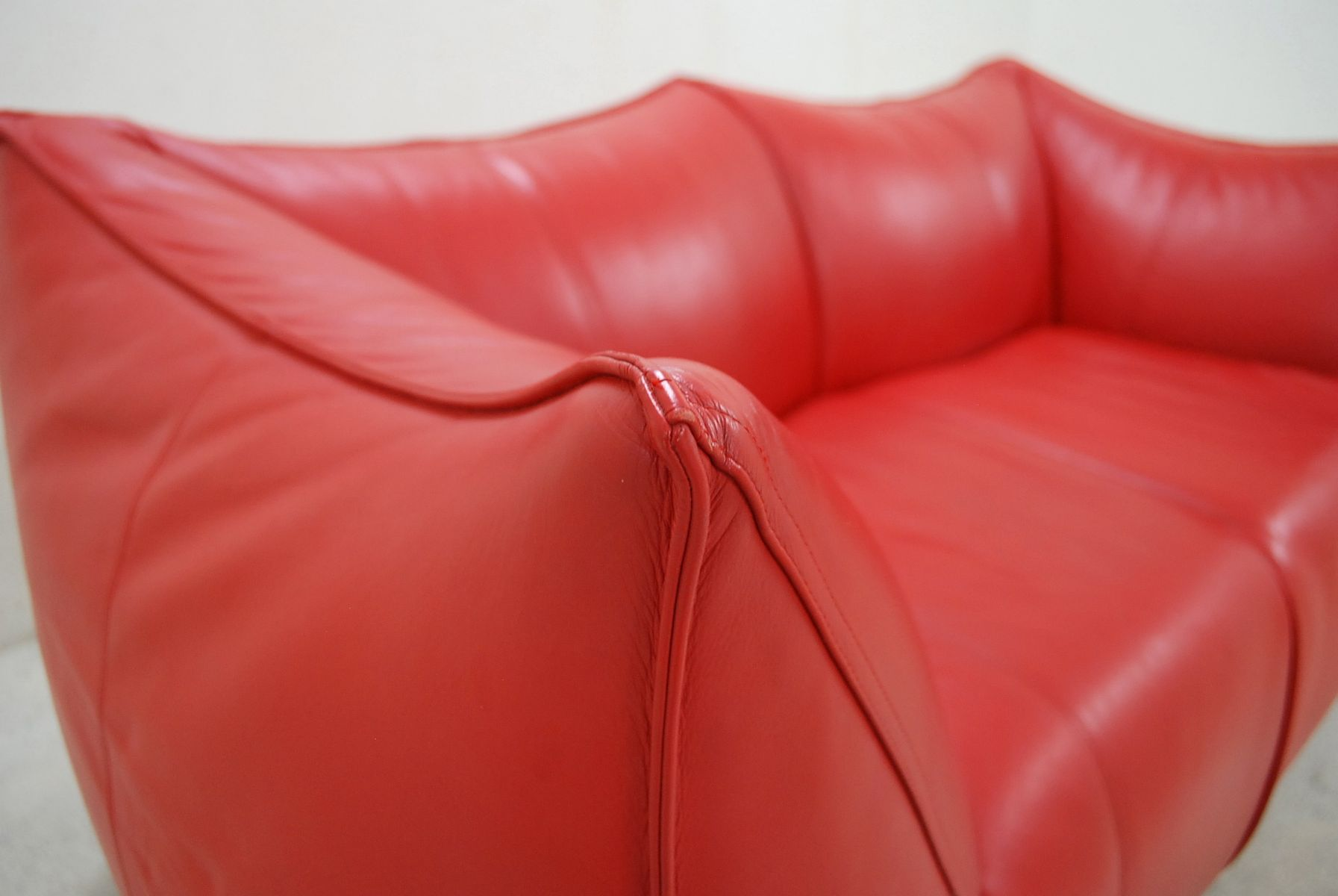 Italian le bambole leather sofa by mario bellini for b b for Le canape maker