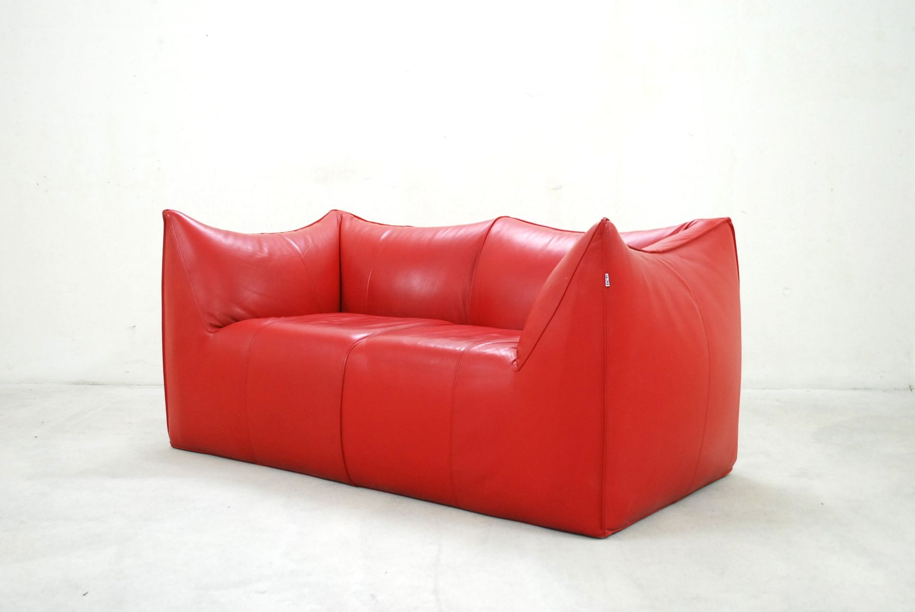 italian le bambole leather sofa by mario bellini for b b. Black Bedroom Furniture Sets. Home Design Ideas