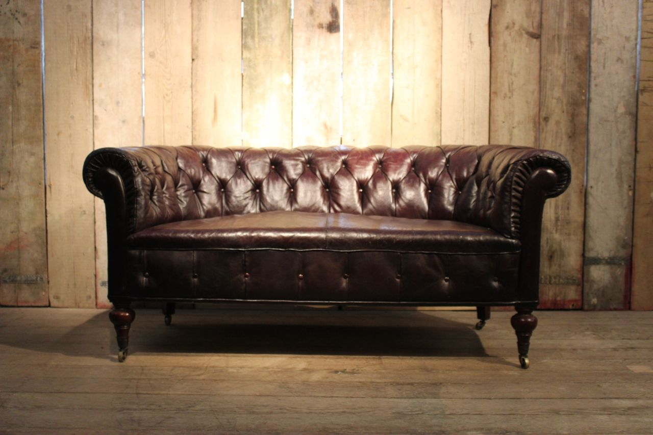 Antique english country house chesterfield sofa for sale for Sofa landhausstil