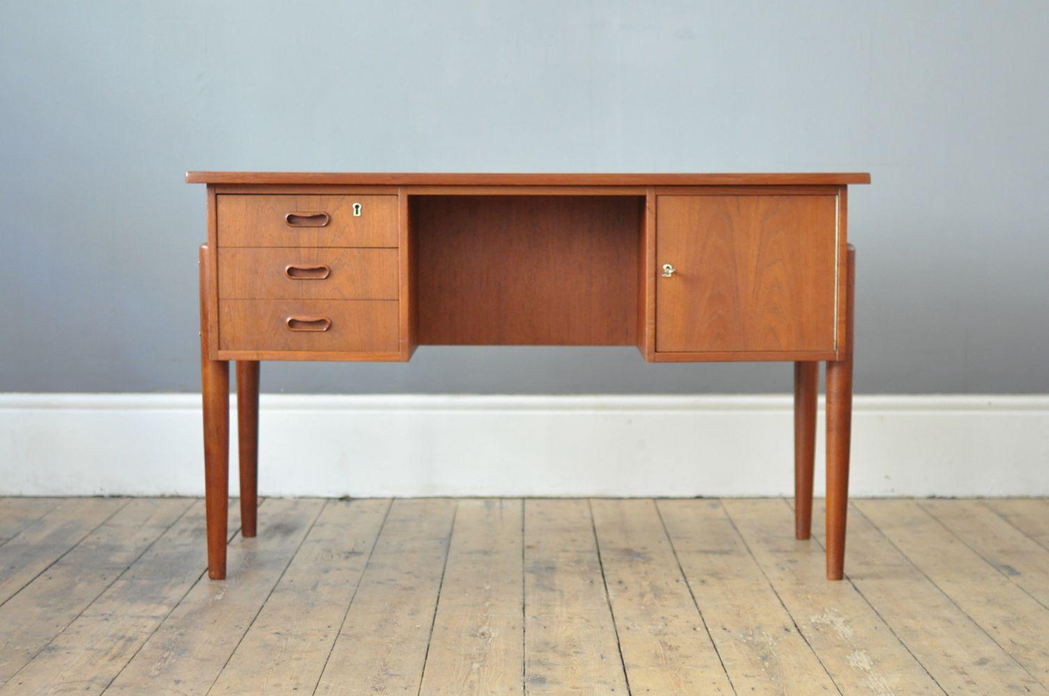 freistehender d nischer mid century schreibtisch 1960er. Black Bedroom Furniture Sets. Home Design Ideas