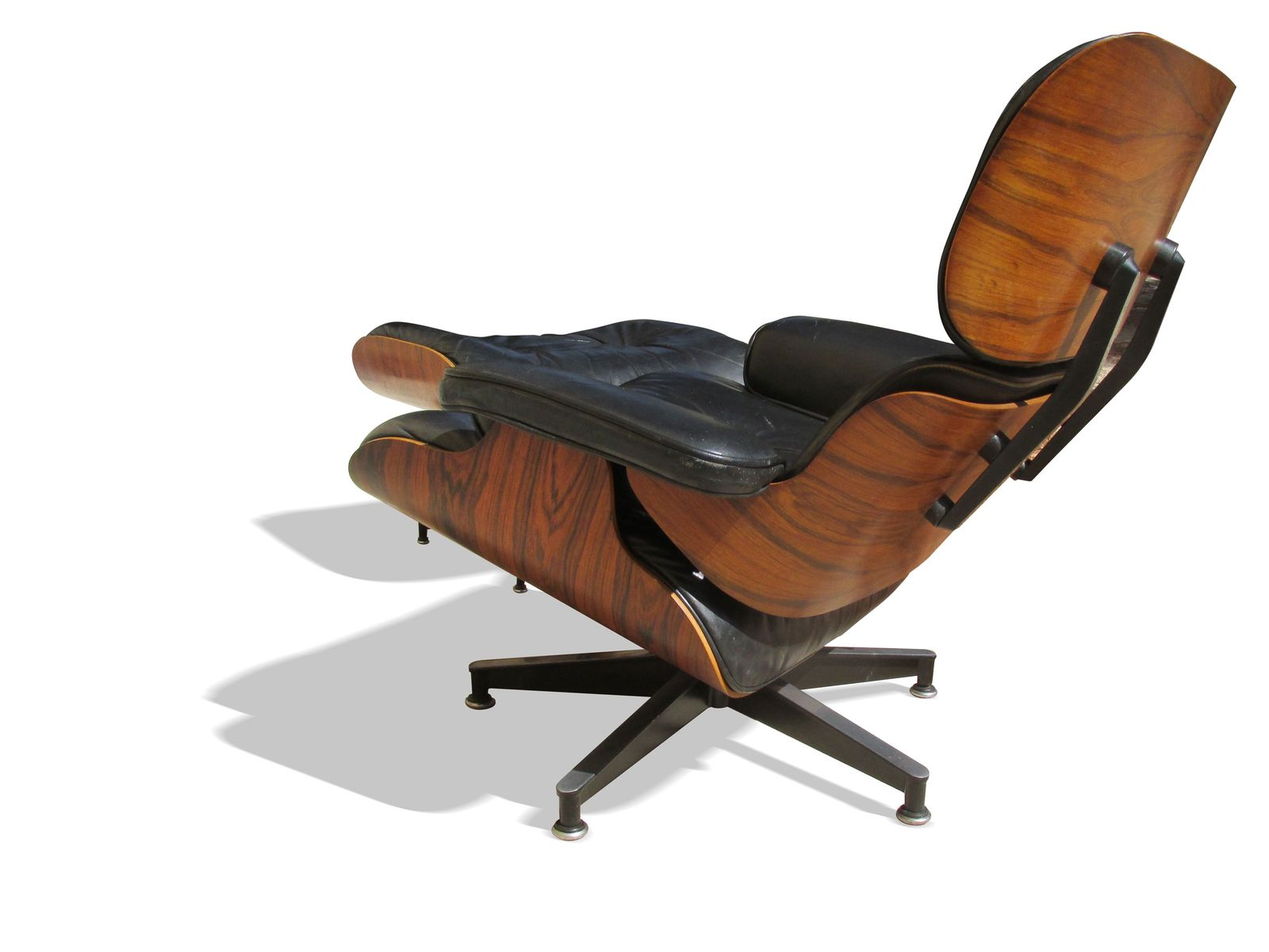 670 671 lounge chair and ottoman by charles and ray eames - Herman miller lounge chair and ottoman ...
