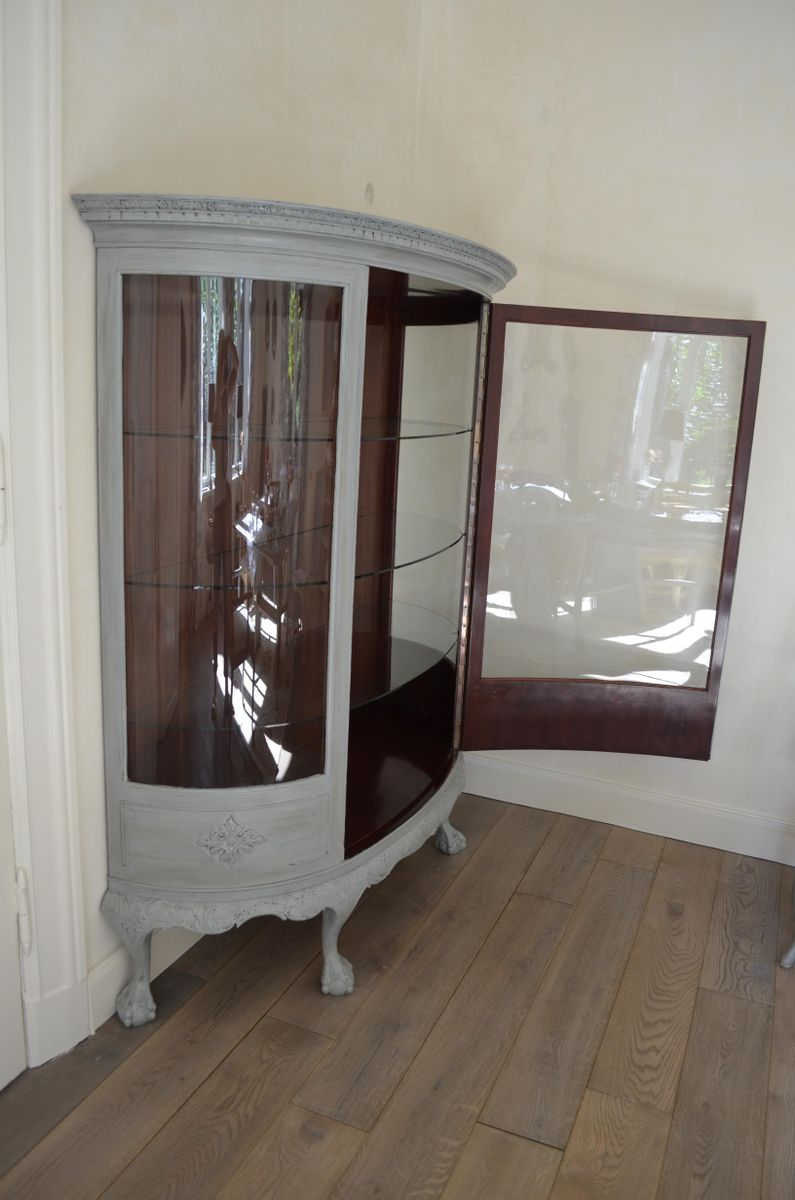 Vintage Painted Mahogany Display Cabinet for sale at Pamono