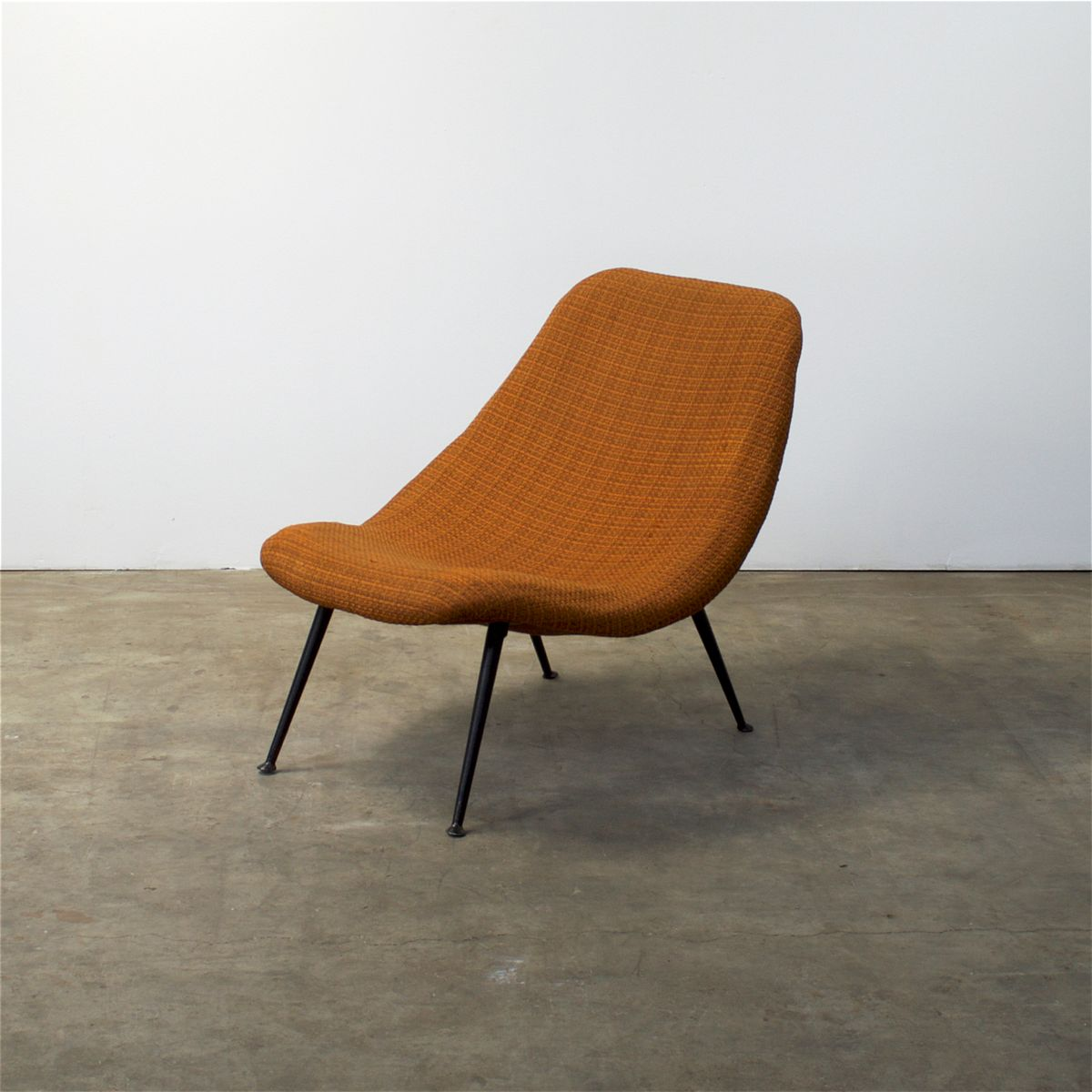F 122 fauteuil by theo ruth for artifort 1950s for sale at pamono - Fauteuil orange ikea ...