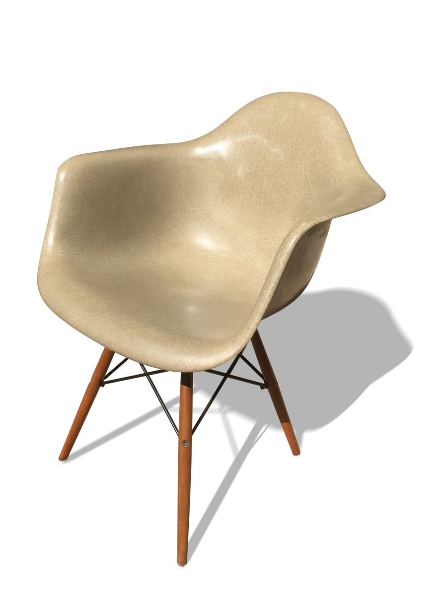 Daw chair by ray charles eames for herman miller 1970 for Chaise style daw