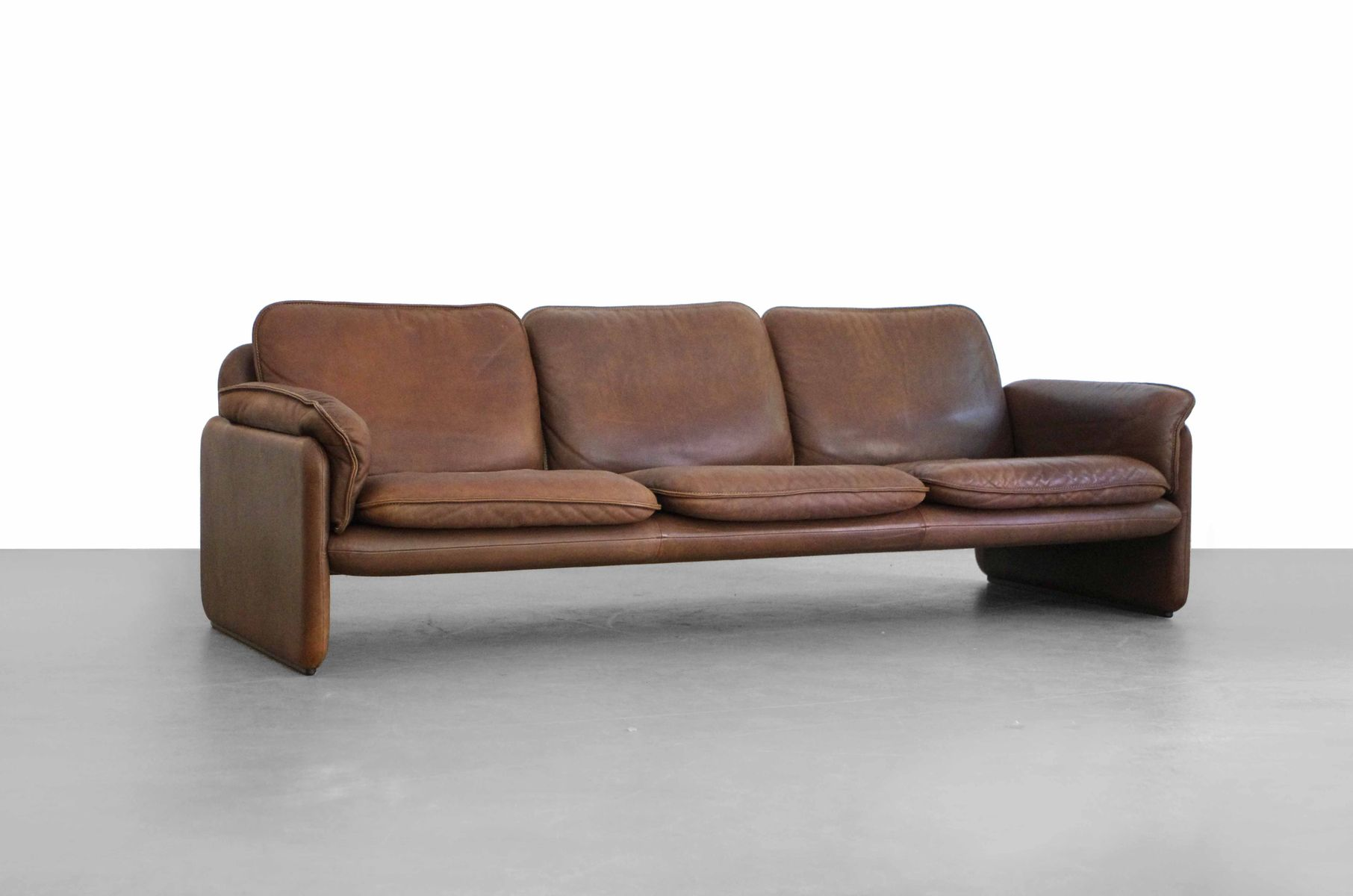 ds 61 leather sofa by de sede for sale at pamono. Black Bedroom Furniture Sets. Home Design Ideas