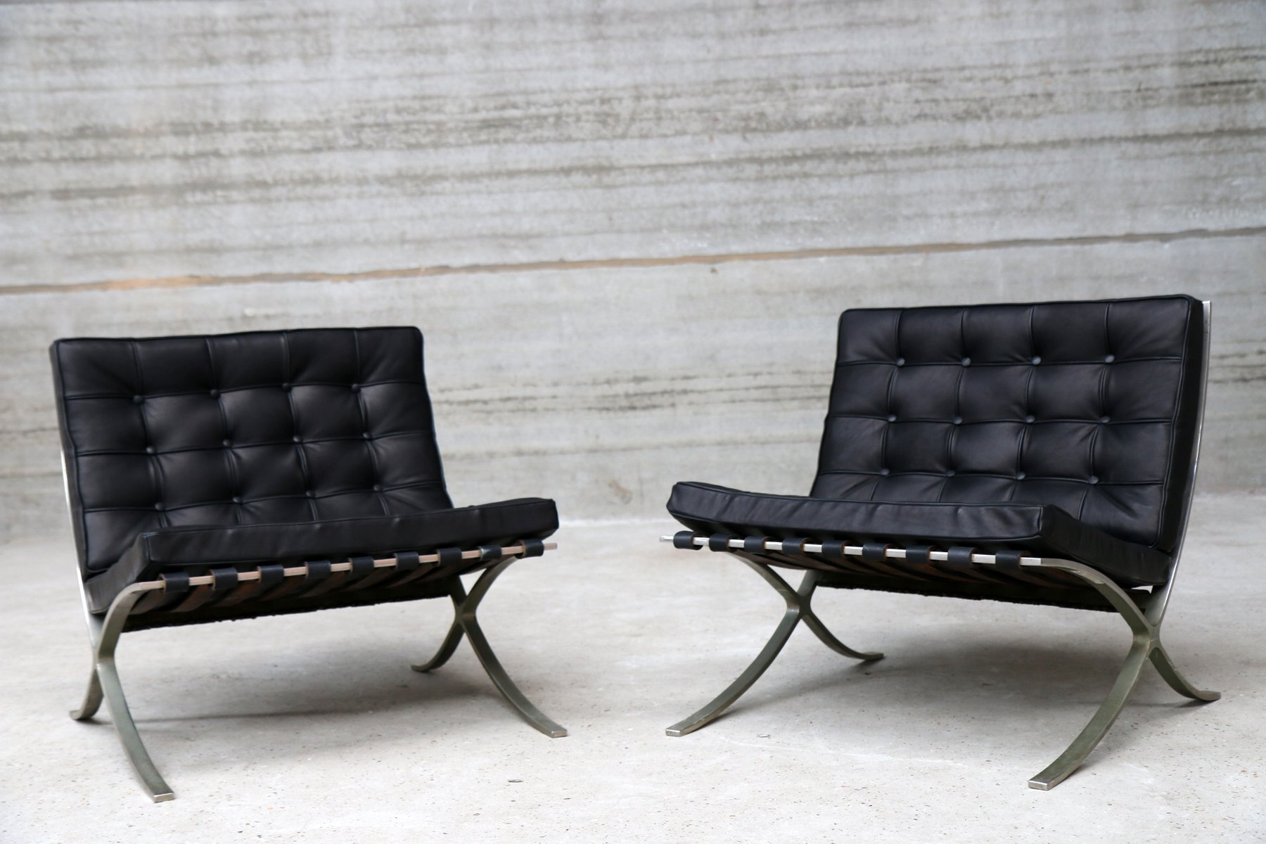 vintage barcelona sessel von ludwig mies van der rohe f r. Black Bedroom Furniture Sets. Home Design Ideas