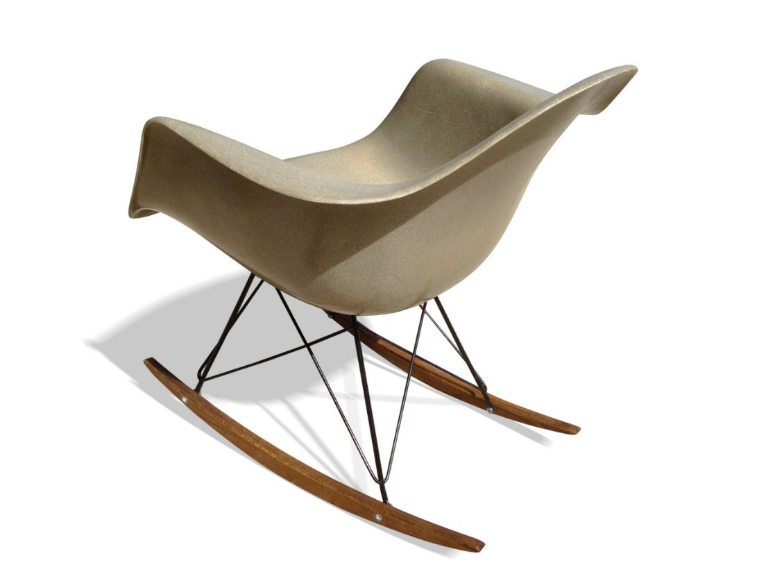 Beige rar rocking chair by charles ray eames for herman for Chaises rar charles eames