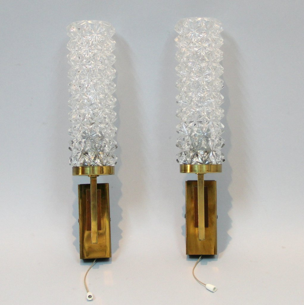 French Vintage Wall Lights, 1960s, Set of 2 for sale at Pamono