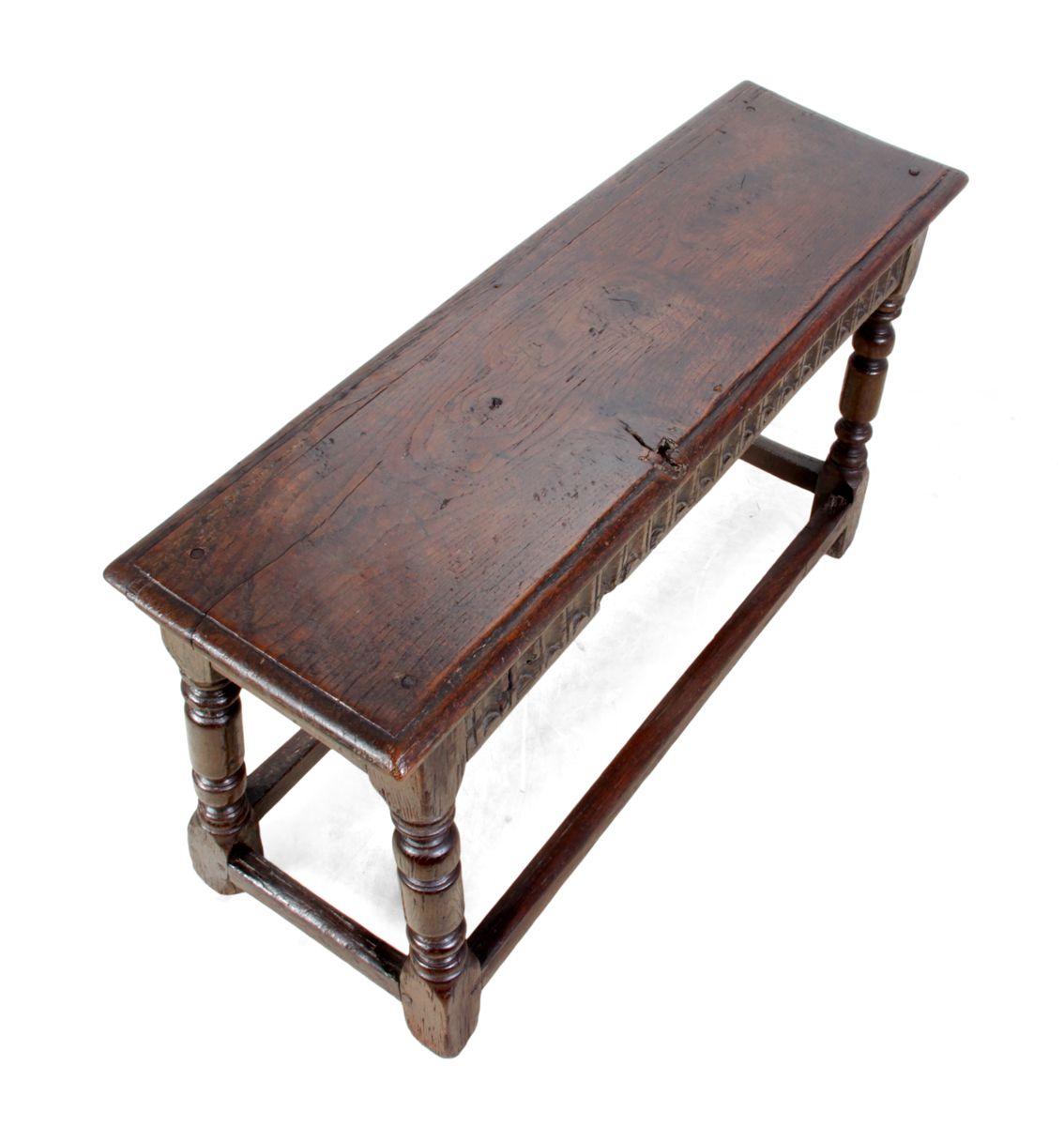 antiker stuhl aus eiche 1680er bei pamono kaufen. Black Bedroom Furniture Sets. Home Design Ideas