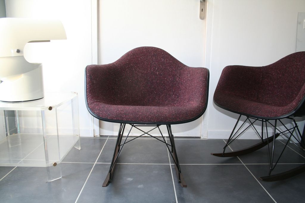 American vintage bordeaux rar rocking chair by charles ray eames for he - Herman miller france ...