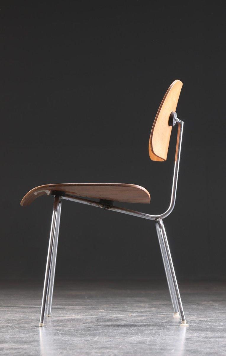 Chaise de salon dcm par charles ray eames pour herman for Vente chaise eames