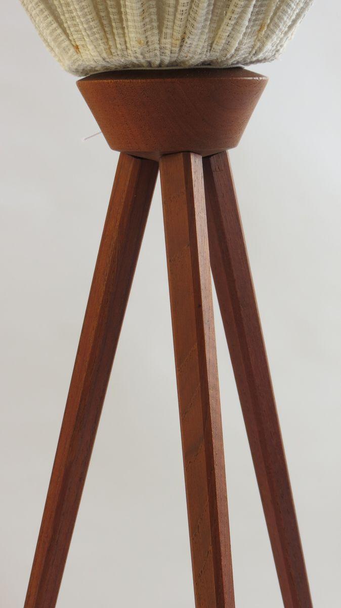 britische teakholz stehlampe mit lampenschirm 1950er bei pamono kaufen. Black Bedroom Furniture Sets. Home Design Ideas
