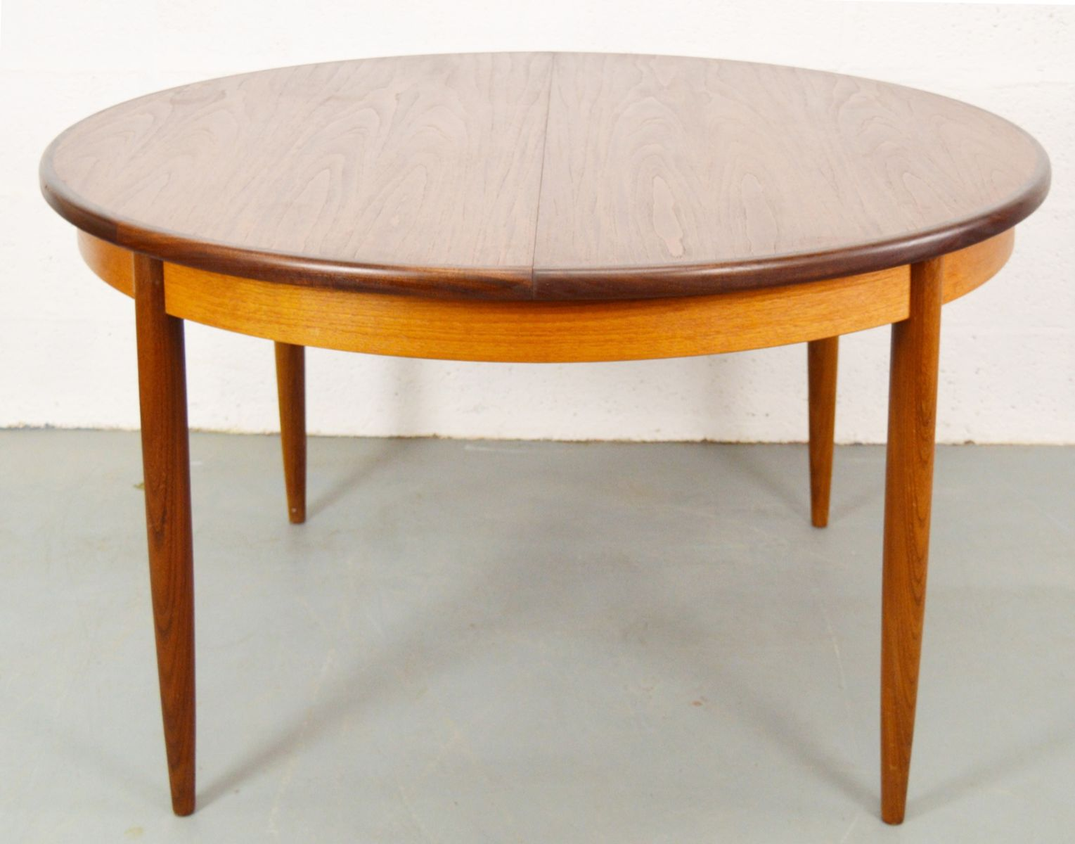 g plan fresco dining table
