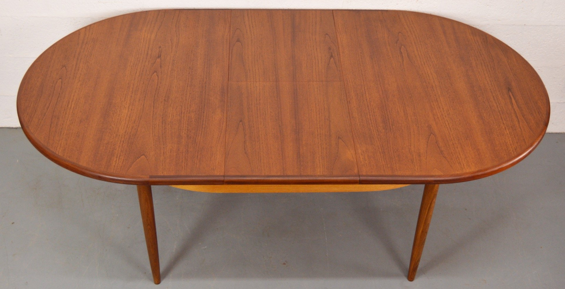 antique oval extending dining tables