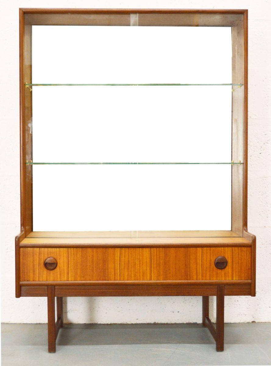petit meuble vitrine mid century de turnidge angleterre. Black Bedroom Furniture Sets. Home Design Ideas