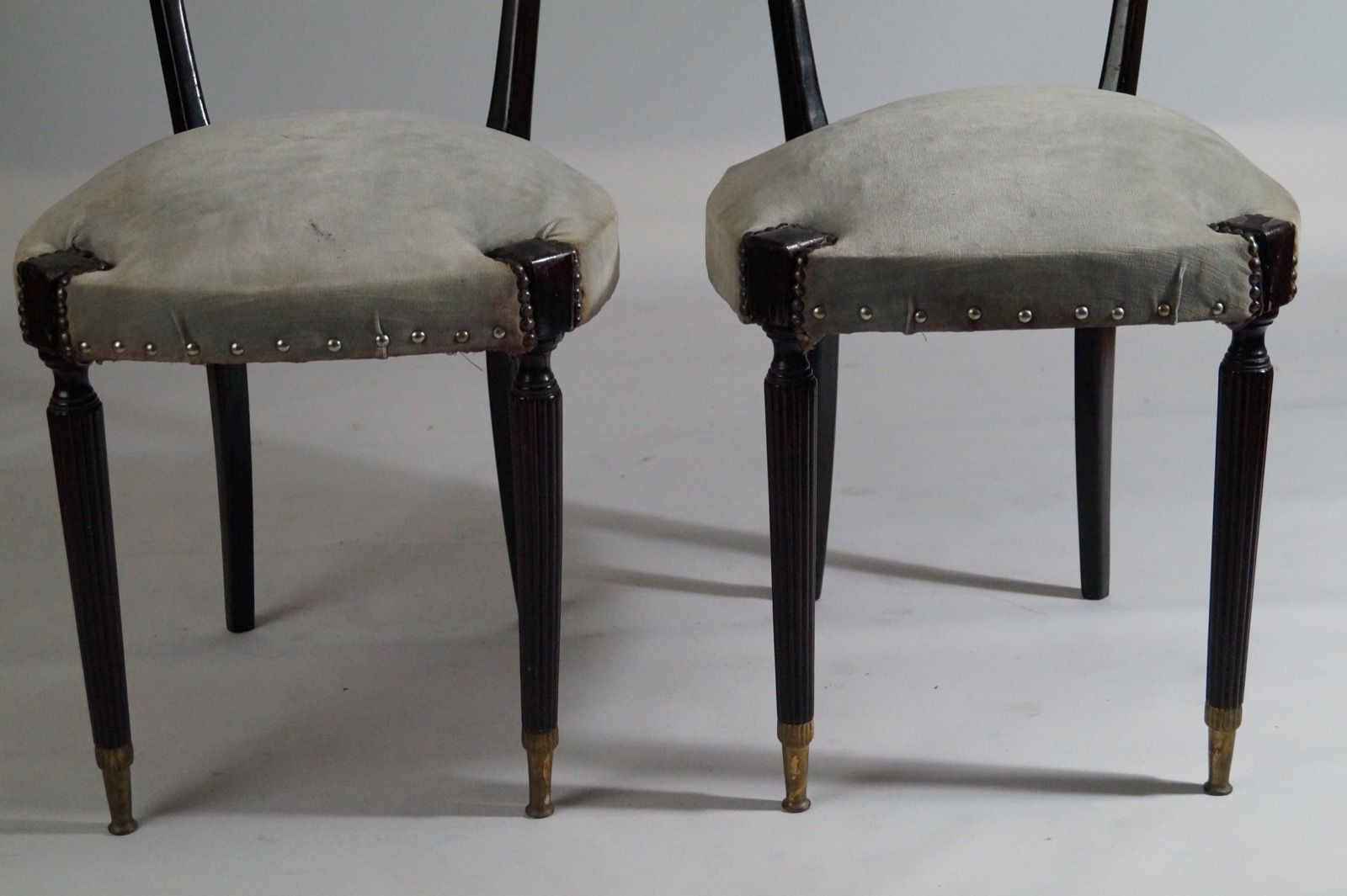 moderne schwarze st hle mit hohen r ckenlehnen von paolo. Black Bedroom Furniture Sets. Home Design Ideas