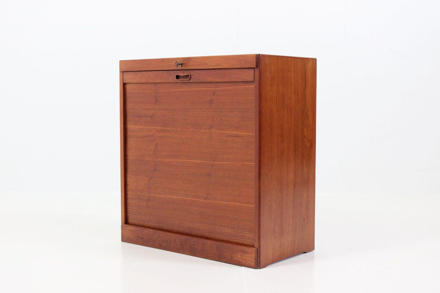 d nischer teak schrank mit rollt ren bei pamono kaufen. Black Bedroom Furniture Sets. Home Design Ideas