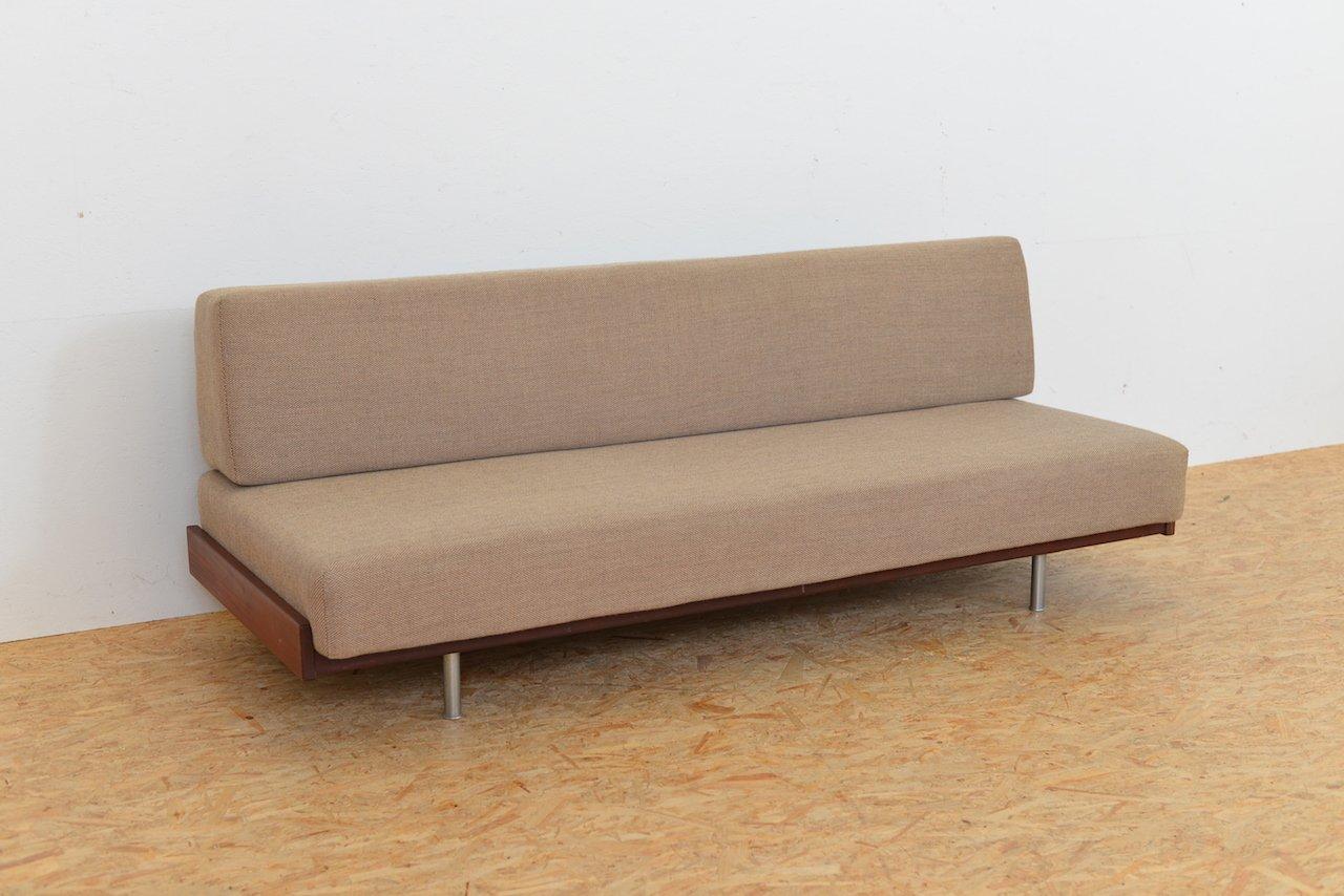 Divan en tissu en acier tubulaire et en bois massif 1960s for Divan en bois