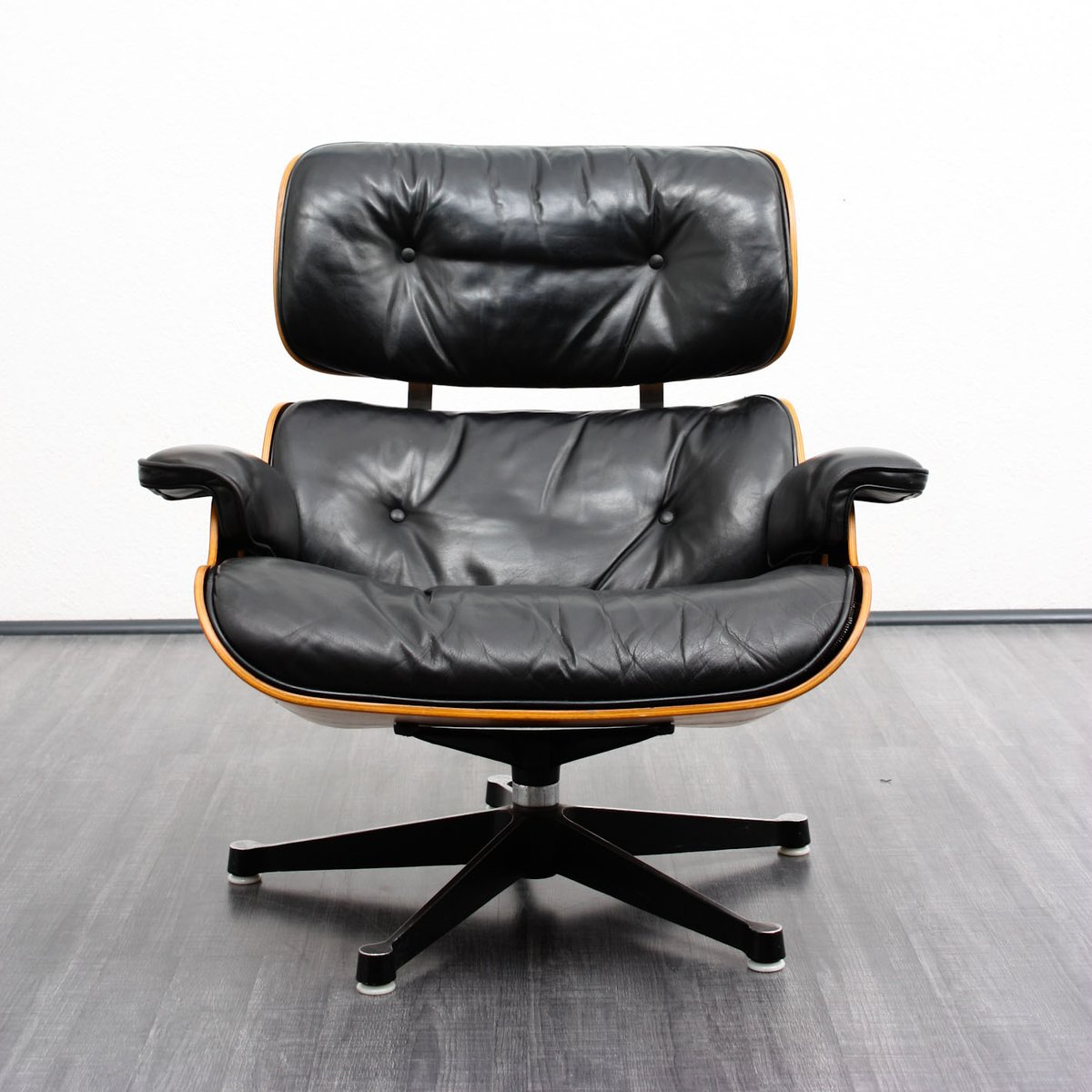 Lounge chair and ottoman by charles eames for herman - Herman miller lounge chair and ottoman ...