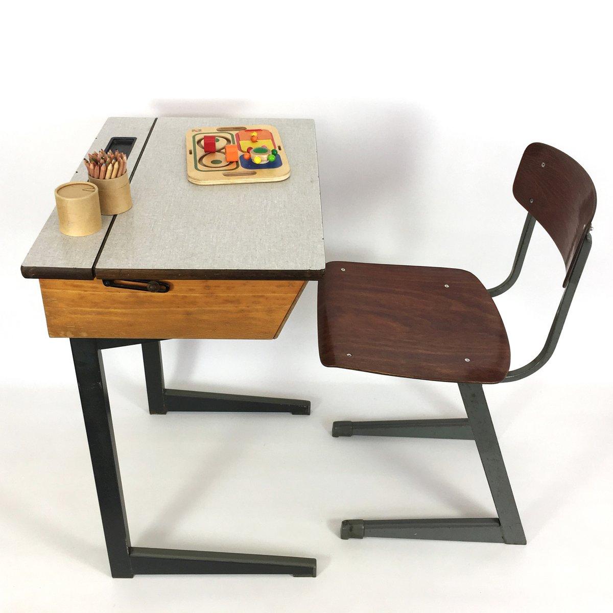 niederl ndischer kinder schreibpult stuhl von friso kramer 1950er bei pamono kaufen. Black Bedroom Furniture Sets. Home Design Ideas