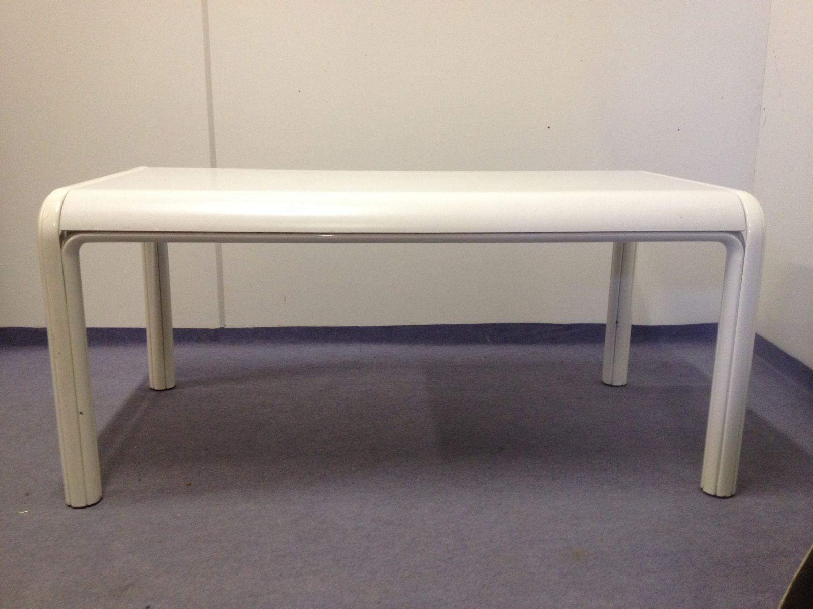 Table de salle manger orsay vintage par gae aulenti pour for Table de salle a manger knoll