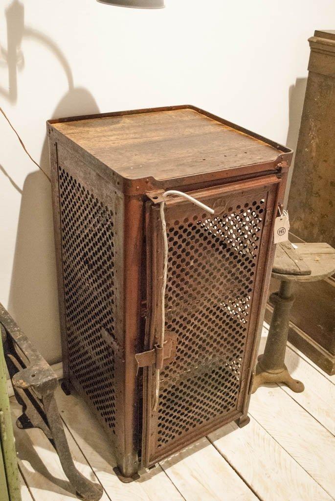 industrieller vintage werkzeugschrank aus stahl holz von rowac bei pamono kaufen. Black Bedroom Furniture Sets. Home Design Ideas