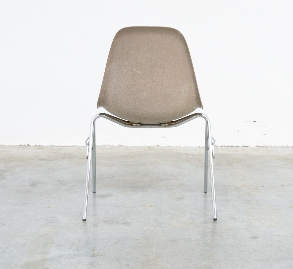 fiberglass side chair by charles ray eames for herman miller for sale at pamono. Black Bedroom Furniture Sets. Home Design Ideas