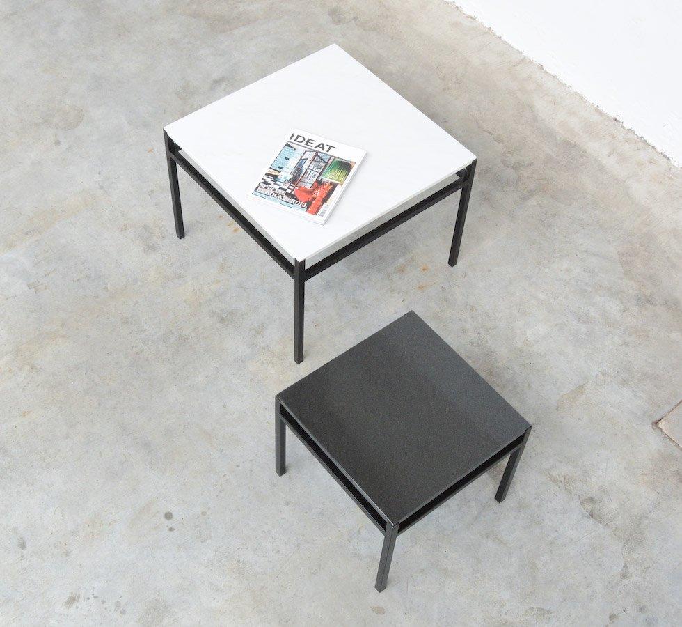 minimalistische beistelltische in schwarz wei 1960er. Black Bedroom Furniture Sets. Home Design Ideas