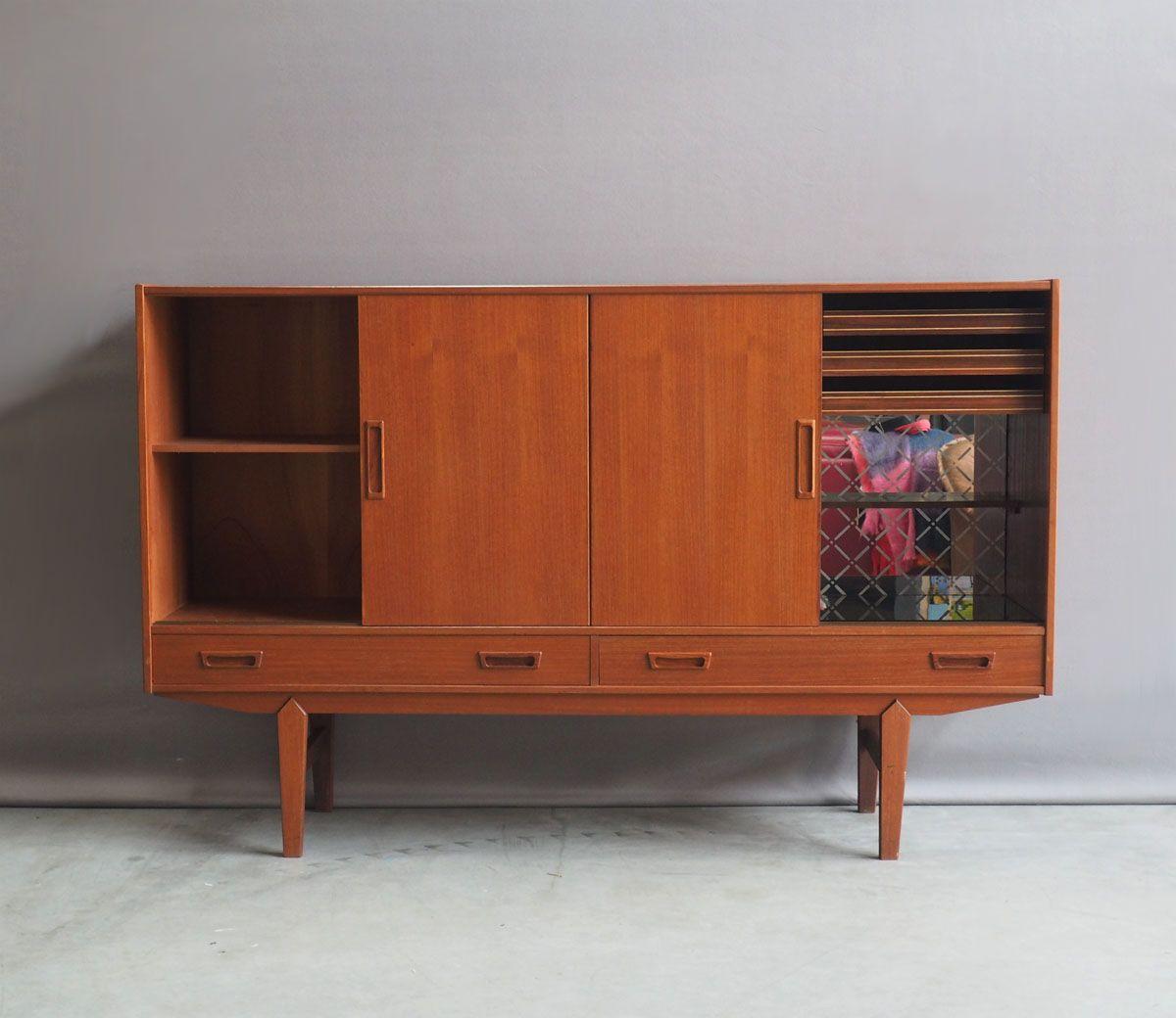 d nisches highboard mit schiebet ren 1960er bei pamono kaufen. Black Bedroom Furniture Sets. Home Design Ideas