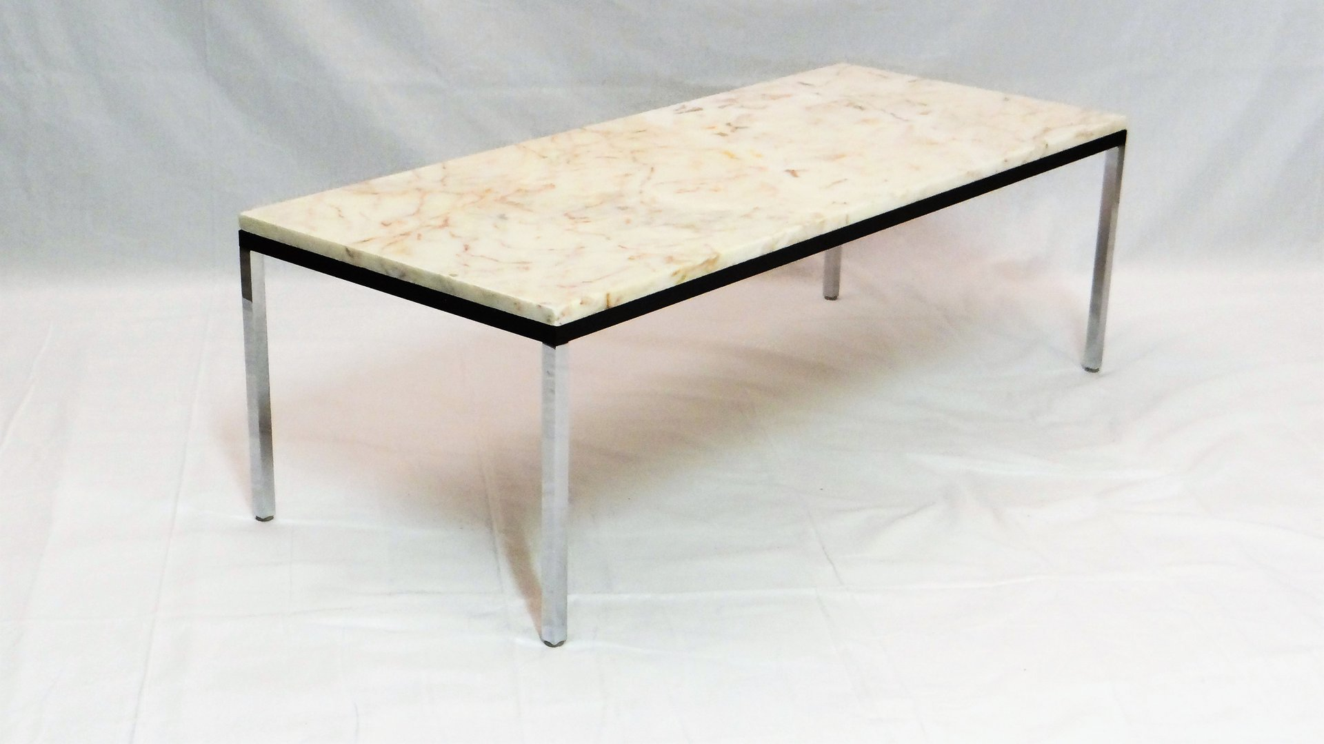 Belgian marble coffee table by florence knoll for knoll for Table basse scandinave marbre