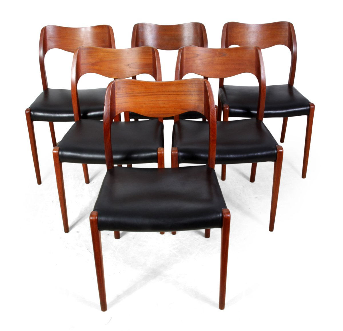 Model teak dining chairs by n o moller for j l mollers