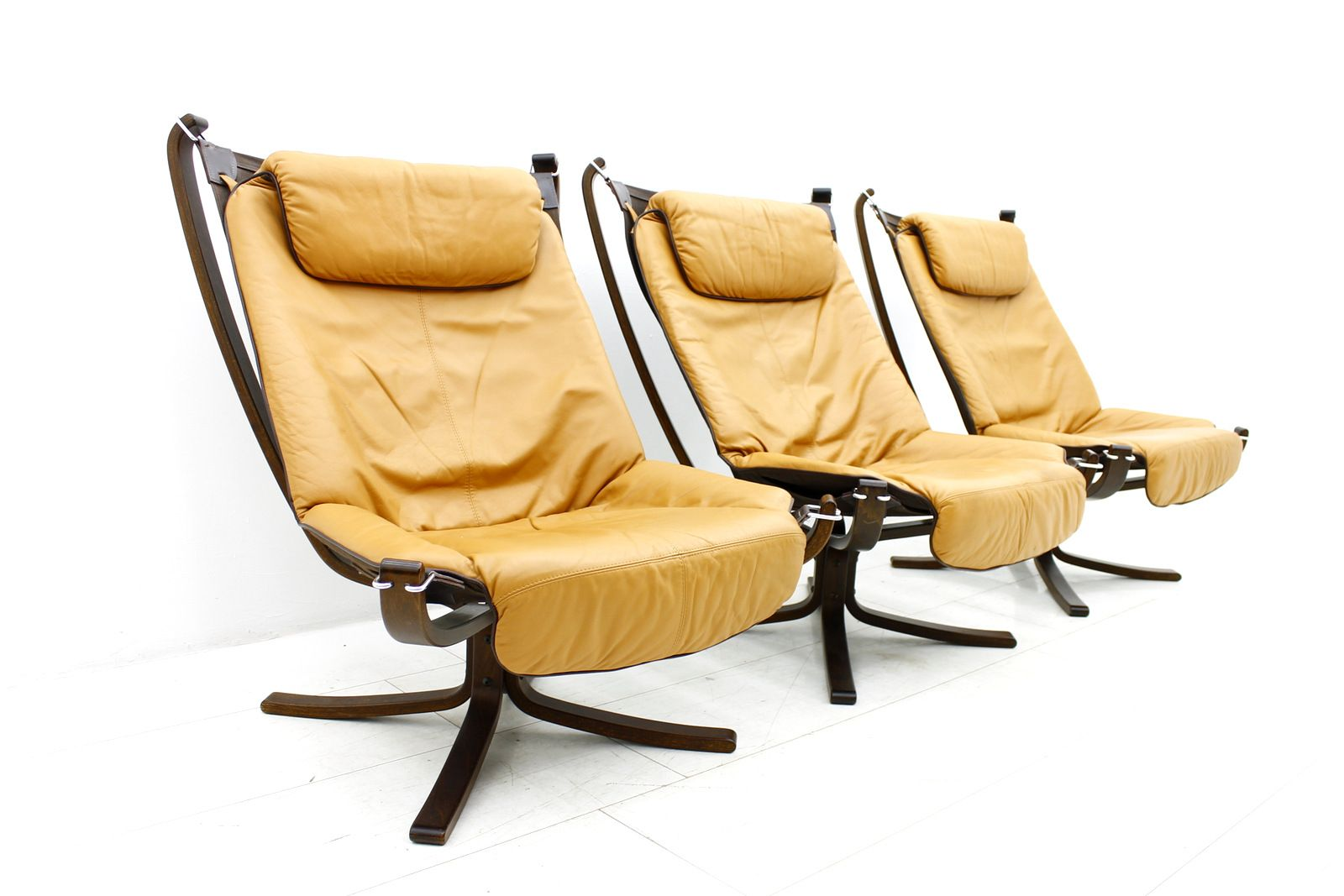 Norwegian Falcon Lounge Chair by Sigurd Resell for Vatne Mobler, 1971 for sale at Pamono