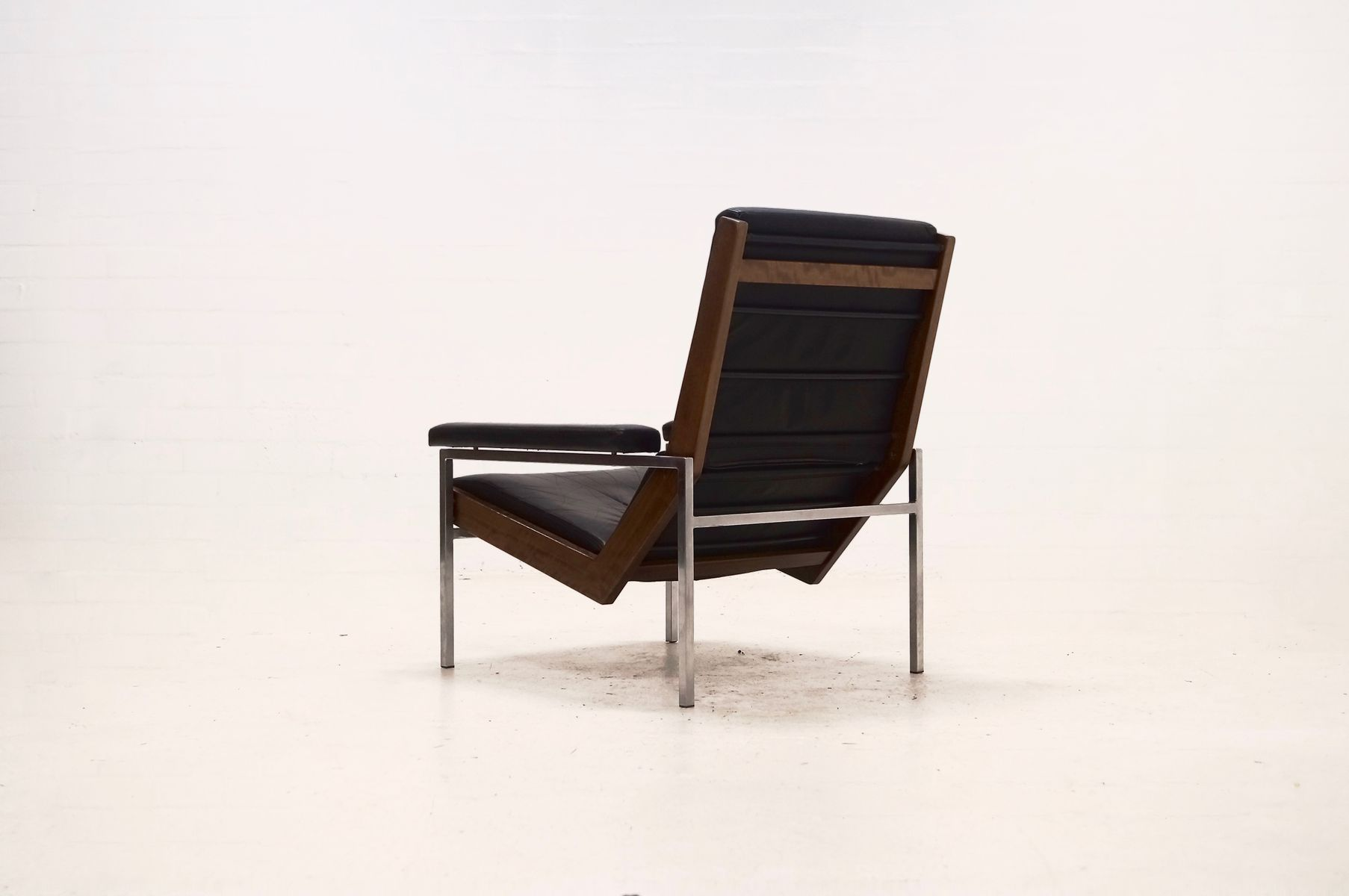 black leather lotus easy chair by rob parry for gelderland 1950s for