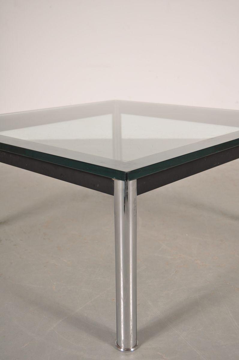 italienischer couchtisch aus metall glas von le corbusier f r cassina 1980er bei pamono kaufen. Black Bedroom Furniture Sets. Home Design Ideas