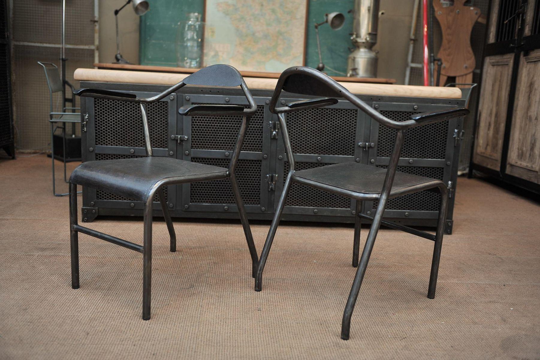 industrielle st hle aus metall und bakelit 1950er 2er set bei pamono kaufen. Black Bedroom Furniture Sets. Home Design Ideas