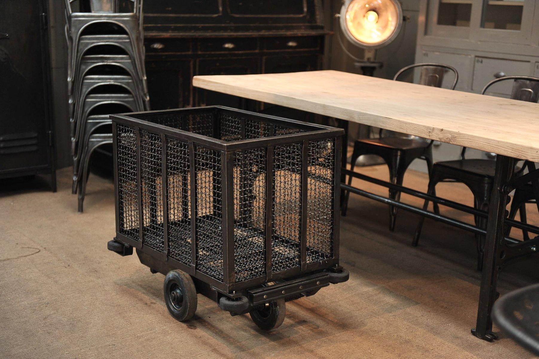 chariot roulette vintage d 39 usine en vente sur pamono. Black Bedroom Furniture Sets. Home Design Ideas