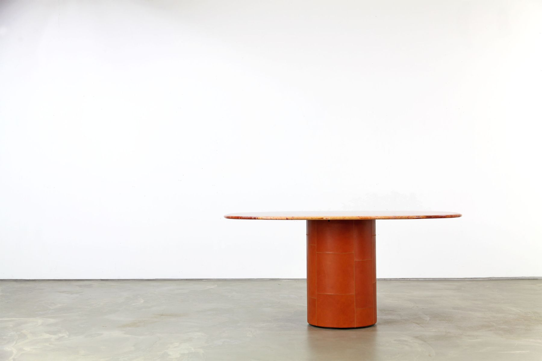 italienischer tisch aus rotem travertin leder von b b. Black Bedroom Furniture Sets. Home Design Ideas