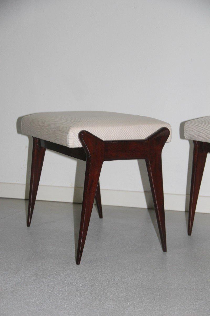 italienische hocker aus holz stoff 1950er 2er set bei pamono kaufen. Black Bedroom Furniture Sets. Home Design Ideas
