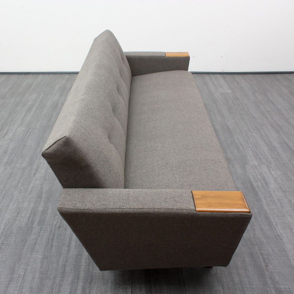 faltbares sofa mit nussholz armlehnen 1960er bei pamono kaufen. Black Bedroom Furniture Sets. Home Design Ideas