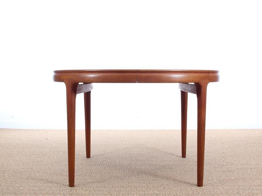 runder ausziehbarer d nischer esstisch aus teakholz 1960er bei pamono kaufen. Black Bedroom Furniture Sets. Home Design Ideas